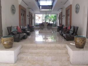 1Bali_Foyer2