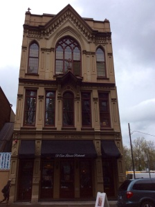 I saw this building across the street from Mother's restaurant the night Carol Fanta took me there. It was dark so I couldn't take a photograph. The next day after crossing the bridge to west Portland I realized I was just blocks from Mother's again! Couldn't pass it up.